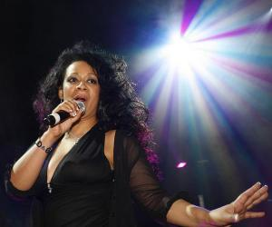 Rowetta fala do regresso dos Mondays