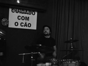 Daniel Meliço na bateria