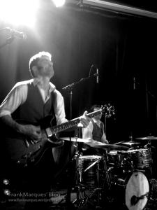 Sylvain Lorens é o guitarrista