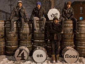 """Os 4 """"bass drummers"""" de  Mineappolis"""