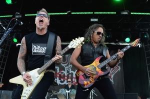 Hetfield e Hammet em palco