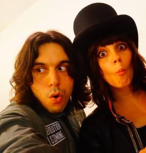 Edgey e Delila (Foto Facebook oficial)